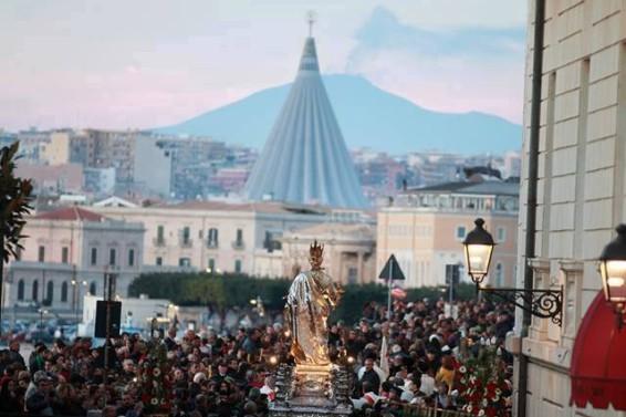 FOTO COPERTINA Santa Lucia verso la Madonnina Ph Maurizio Zivillica