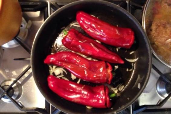 Peperoni ripieni (Ph. Cristina Silvestro)